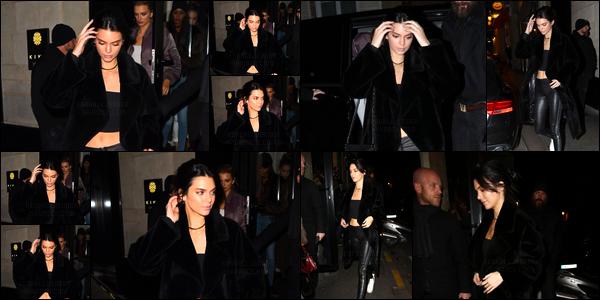 - 28/09/16 : Kendall a été aperçue alors qu'elle arrivait au magasinGucci en compagnie de Gigi Hadid, Paris. Ensuite elles ont été vues lorsqu'elles quittaient l'hôtelMandarin. Kendall avait finit sa journée en se rendant au restaurantKinugawa, top. -