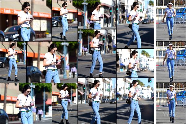 - 13/11/16 : Kendall Jenner a été photographiée alors qu'elle quittait le « Kreation Organic Juicery », à BH. Kendall a été par la suite aperçue alors qu'elle se trouvait au « Flea Market » qui se situe également à Beverly Hills, je lui accorde un top ! -