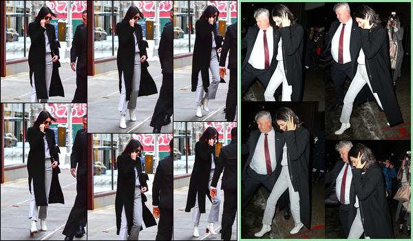 - 09/02/17 : Kendall Jenner a été aperçue alors qu'elle quittait l'appartement deDaniel Chetrit à Manhattan. Plus tard, dans la soirée, Kendall a également été photographiée alors qu'elle se trouvait être dans les rues de New York. C'est un top ! -