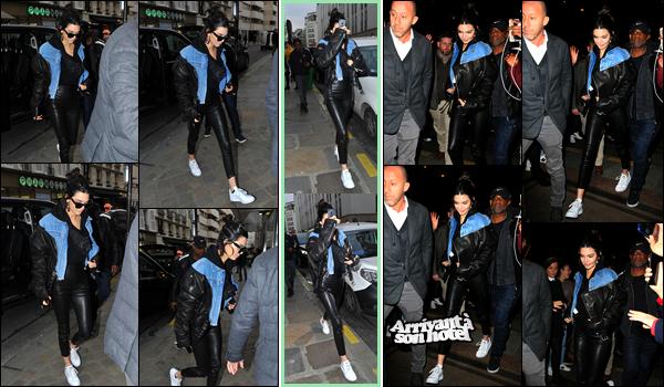- 03/03/17: Kendall Jenner a été photographiée alors qu'elle venait d'arriver à un studio situé dans Paris. Un peu plus tard, Kendall a été aperçue alors qu'elle quittait ce même studio. Je lui accorde pour le coup un petit top pour son look ! -