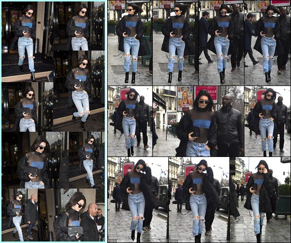 - 06/03/17: Kendall Jenner a été photographiée quittant l'hôtel «Four Seasons Hotel George V» dans Paris. Un peu plus tard, notre belle mannequin a été photographiée alors qu'elle se promenait dans les célèbres rues de notre capital Française. -