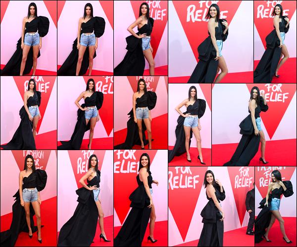 - 21/05/17 : Kendall Jenner a été aperçue sur le tapis rouge du « Fashion For Relief » qui avait lieu à Cannes. C'est durant cet événement ayant pour but desoutenir l'ONG Save the Children que Kendall J. a été photographiée. Je lui accorde un top ! -