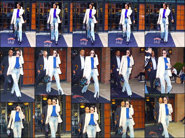 - '-06/09/17-' ◘Kendall J. a été photographiée par les paparazzis alors qu'elle quittait l'hôtel Bowery à NYC ! Ensuite la brunette a défilé pour la marque Tom Ford durant la Fashion Week. Côté tenue du défilé j'accorde un flop, qu'en penses-tu. -