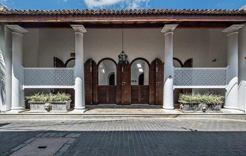 luxury holiday villas