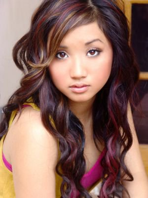 Brenda Song , je n'ai pas put mettre d'image sans make-up car il n'y en a pas