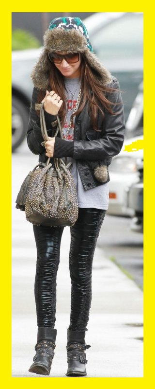 Ashley Tisdale : look