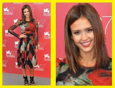 Jessica Alba : robe de soirée a fleurs