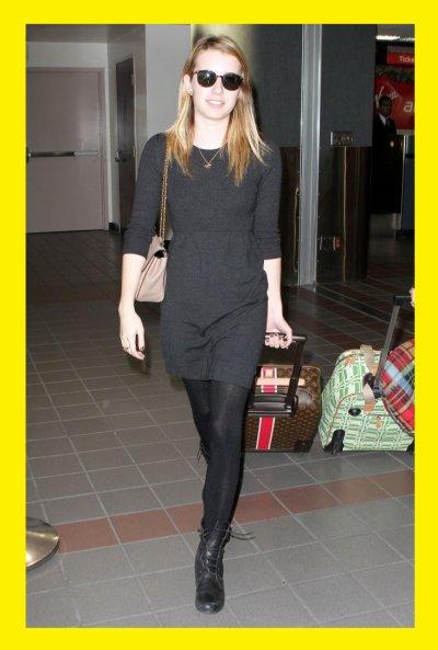 Emma Roberts : avec une petite robe en laine