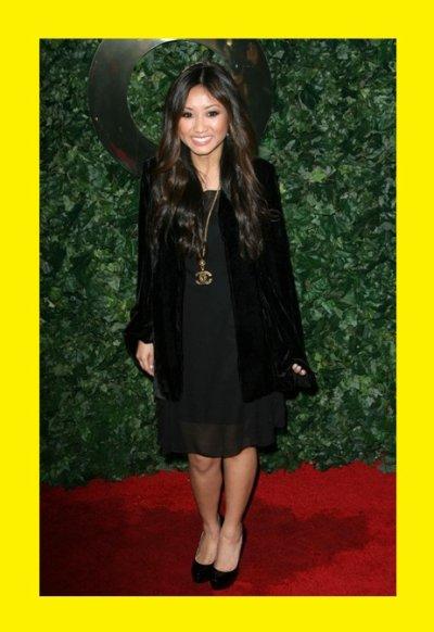 Brenda Song : En Noir