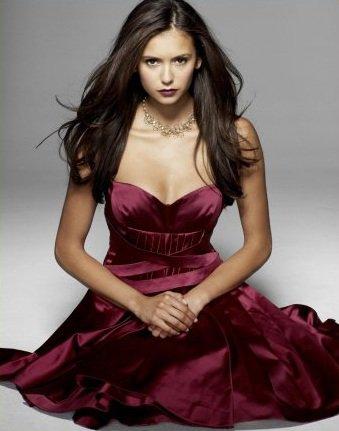 Nina Dobrev : Jolie Photoshoot