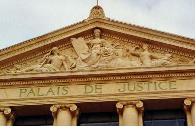 Les Tribunaux Francais