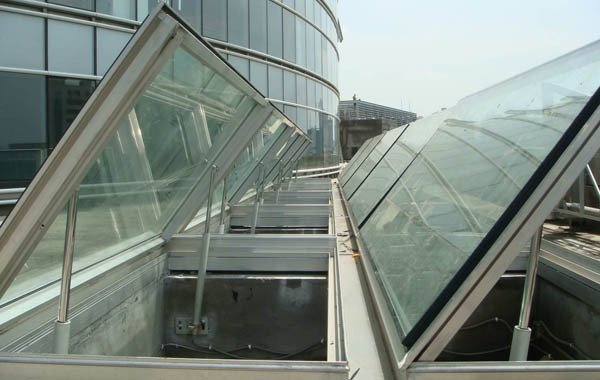 how to wire linear actuator control for skylight window