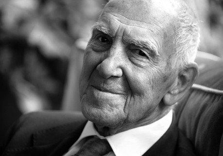 Un grand homme s'est éteint, hommage à Stephane Hessel