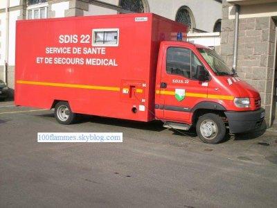 Véhicule du service de santé du SDIS 22