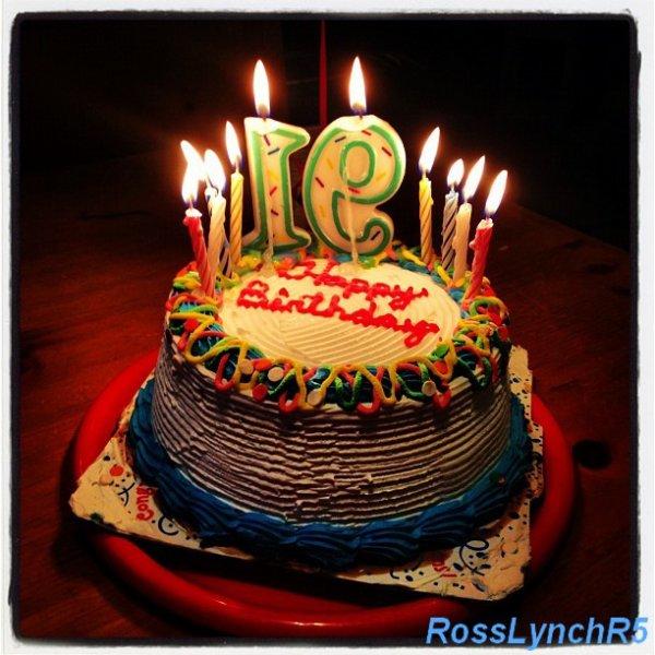 10 Août: Gâteau d'anniversaire pour les 19ans de Rydel + poeme fait par une fan de Rydel a l'occasion de son anniversaire