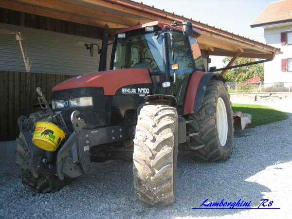 New Holland M100 (T)