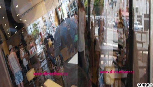 le 07/07/2012 harry avec des fan