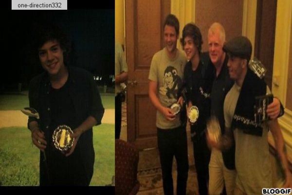 le 26/07/2012 harry liam et louis ont était appercu arriver au studio a londres