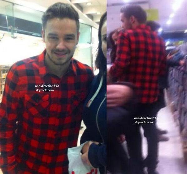 le 17 decembre 2013 - Harry avec des fans à Londres.