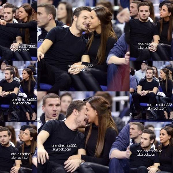 le 17 janvier 2014 - Louis avec une fan à Manchester