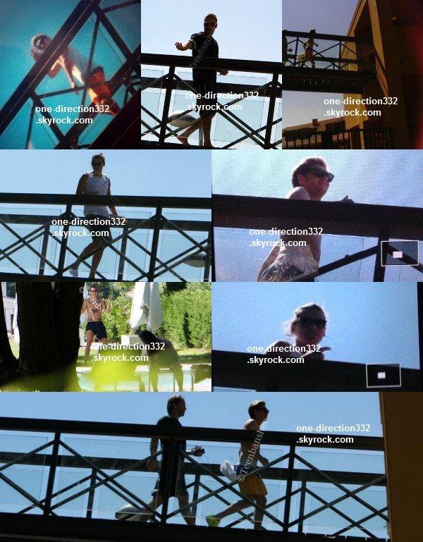 le 14 juillet 2o14 .|. Harry a pris une photo avec une fan dans un pub.