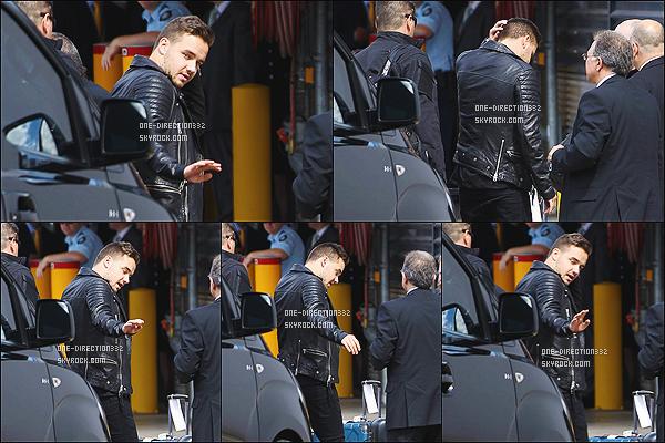 le 28 novembre 2014 ♥ Liam a l'aéroport de Sydney