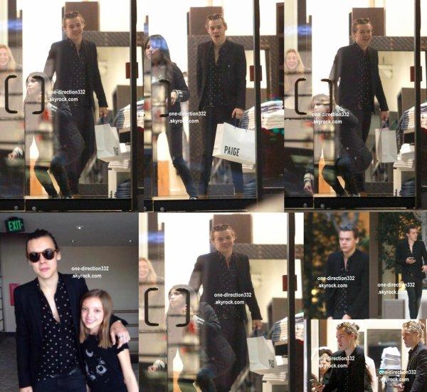 le 30 janvier 2015 - Harry a fait du shopping à Paige Jeans.