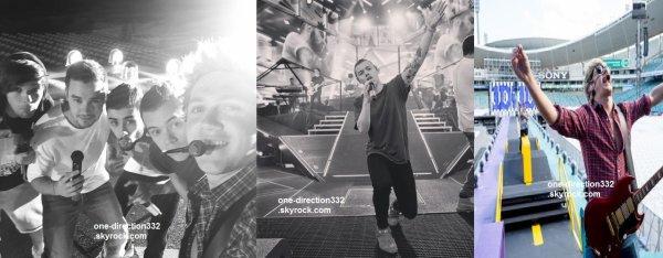 le 7 février 2015 - Harry a pris des photos avec des fans alors qu'il était entrain de déjeuner.
