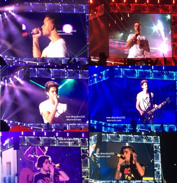 le 25 février 2015 - les boys ont fait leur concert à Osaka, Osaka Dome