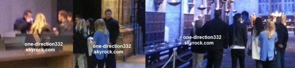 le 9 mars 2015 - liam et sophia ont été veut sur la tournée Harry Potter à londres