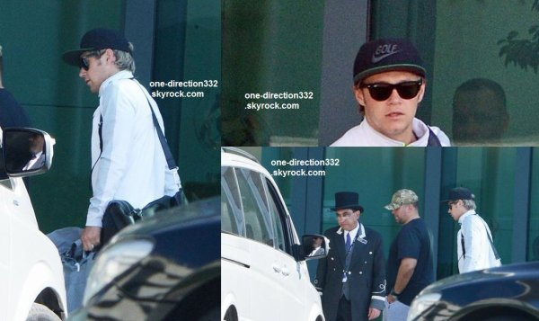 le 14 avril 2015 - niall partant de l'aéroport Heathrow, Royaume-Uni.