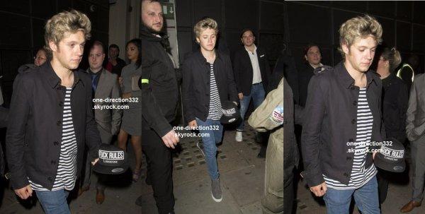le 3 mai 2015 - Niall avec Willie quittant le Libertine club à Londres