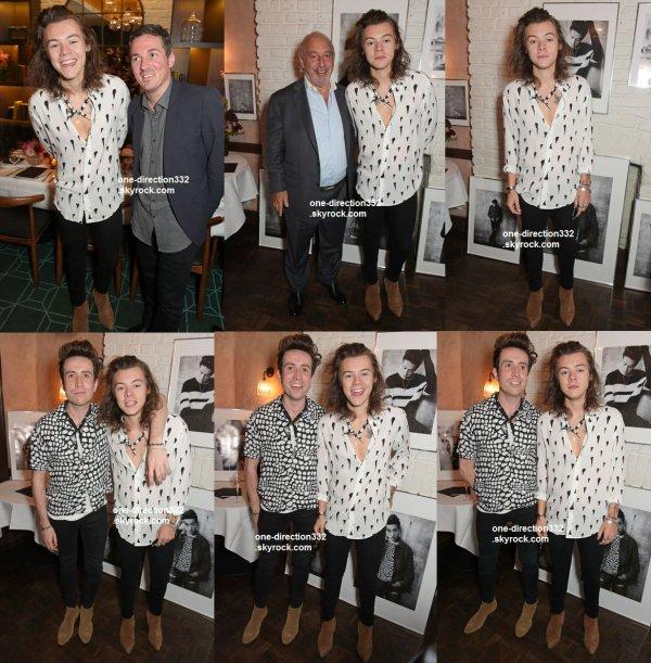le 4 juin 2015 - Harry et Nick Grimshaw dans le nord de Londres