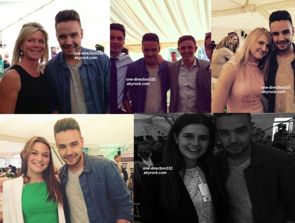le 22 juin 2015 - harry avec une fan à londres