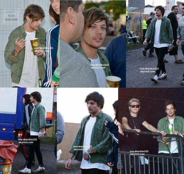 le 26 juin 2015 - Niall et Louis à Glastonbury