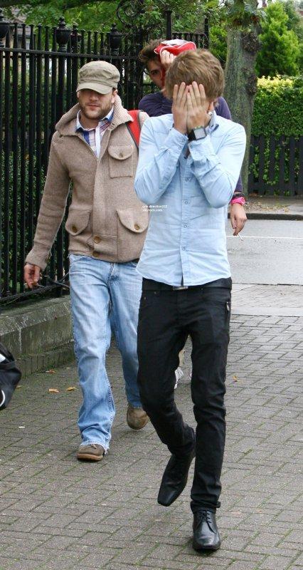 le 4 octobre 2010 - Harry et Louis dans un studio d'enregistrement dans le sud de Londres