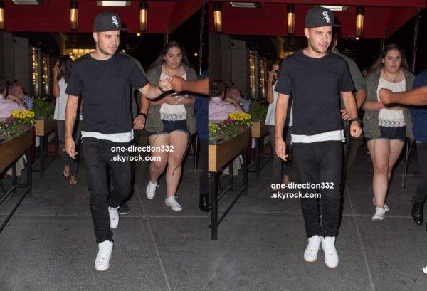 le 3 aout 2015 - Liam sortir pour dîner à New York