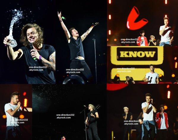 le 5 aout 2015 - les boys ont fait leur concert à East Rutherford, New Jersey
