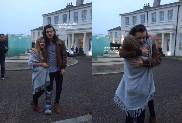 le 27 octobre 2015 - harry avec une fan