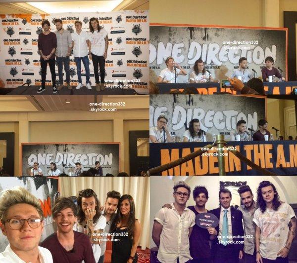 le 25 novembre 2015 - les boys a la Conférence de presse pour leur Made In The AM au mexique