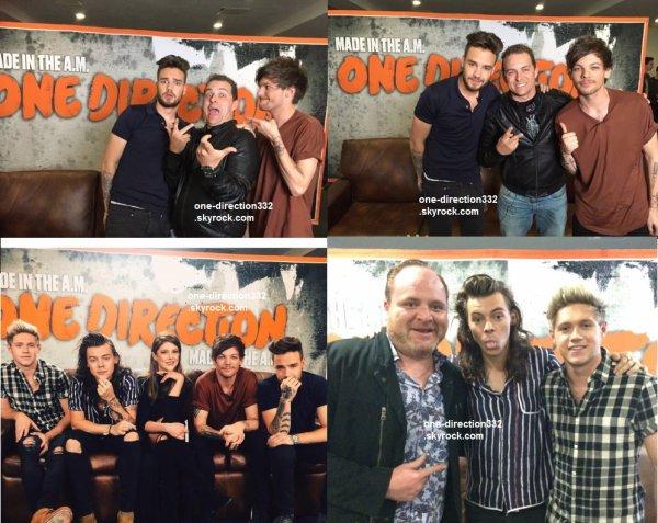le 26 novembre 2015 -  les boys a la Conférence de presse pour leur Made In The AM au mexique