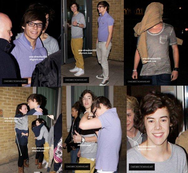 le 21 mars 2011 - les boys ont été aperçu à l'extérieur de leur hotel à Londres