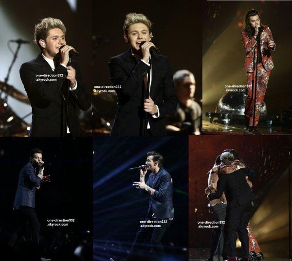 le 13 décembre 2015 - les boys aux The X Factor Series Final à londre