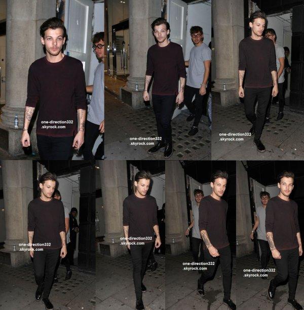 le 13 decembre 2015 - Harry arriver à l'Hôtel édition à Londres