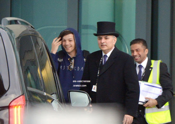 Le 13 mars 2016: Harry dehors dans le Nord de London.