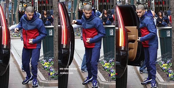 Le 31 mars 2016: Zayn a été vu arrivant au théâtre AMC à New York City.