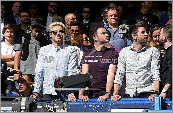 Le 15 mai 2016: Niall a été vu à un match à London.