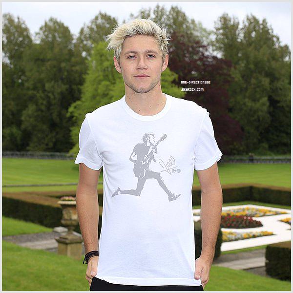 Le 18 mai 2016: Niall a participé à un concours de golf pour une fondation à Dublin, en Ireland.