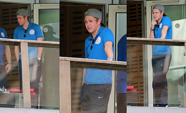 Le 4 juin 2016: Louis arrivant à son hôtel, à Manchester.