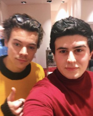 le 7 decembre 2016 - harry avec des fan à londres